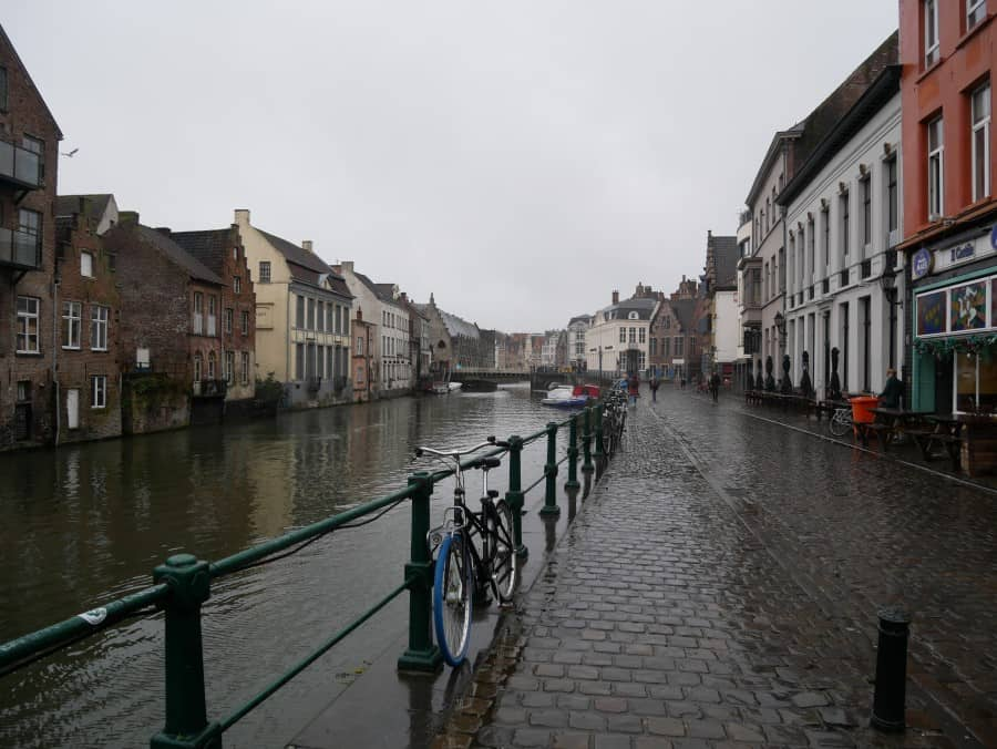 view of the canal from 't Patershol in the rain